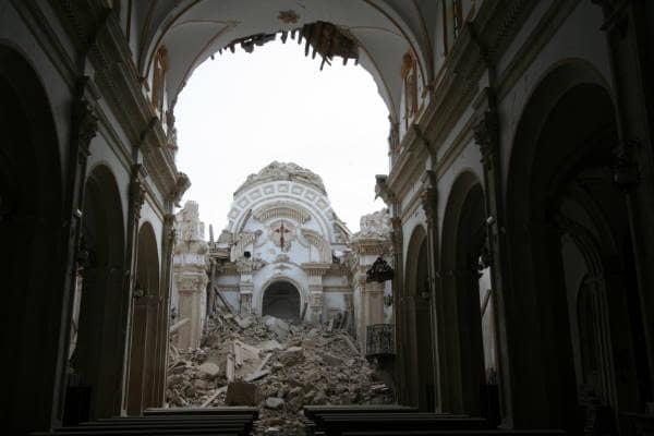 Iglesia de santiago de lorca arquitectos lavila - Arquitectos lorca ...